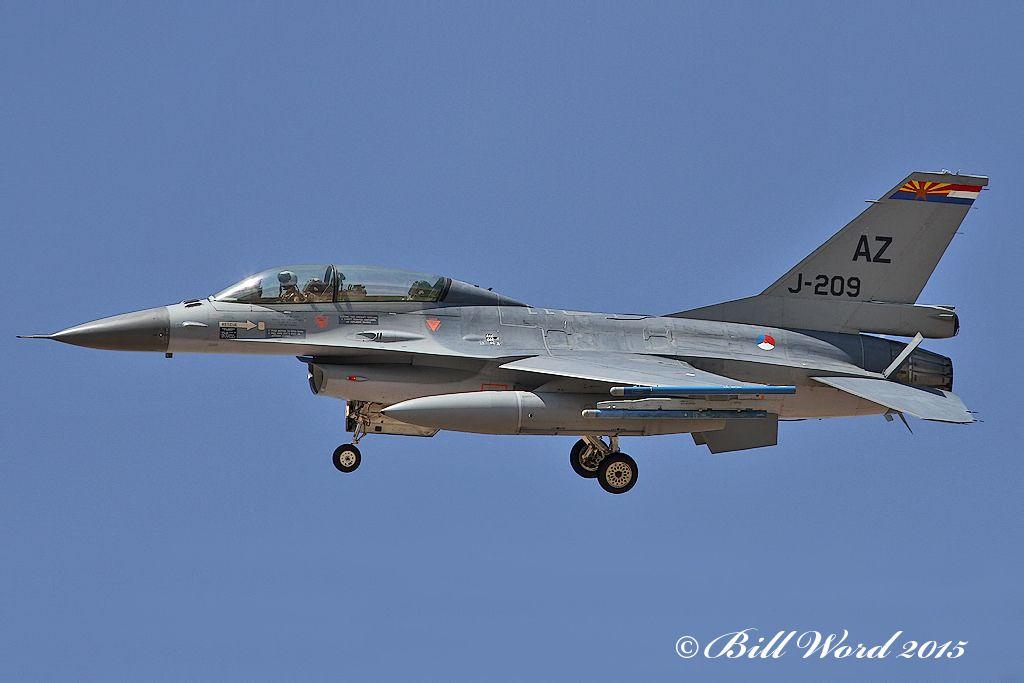 General Dynamics F-16B Block 20 MLU Viper cn6E-028 RNLAF J-209