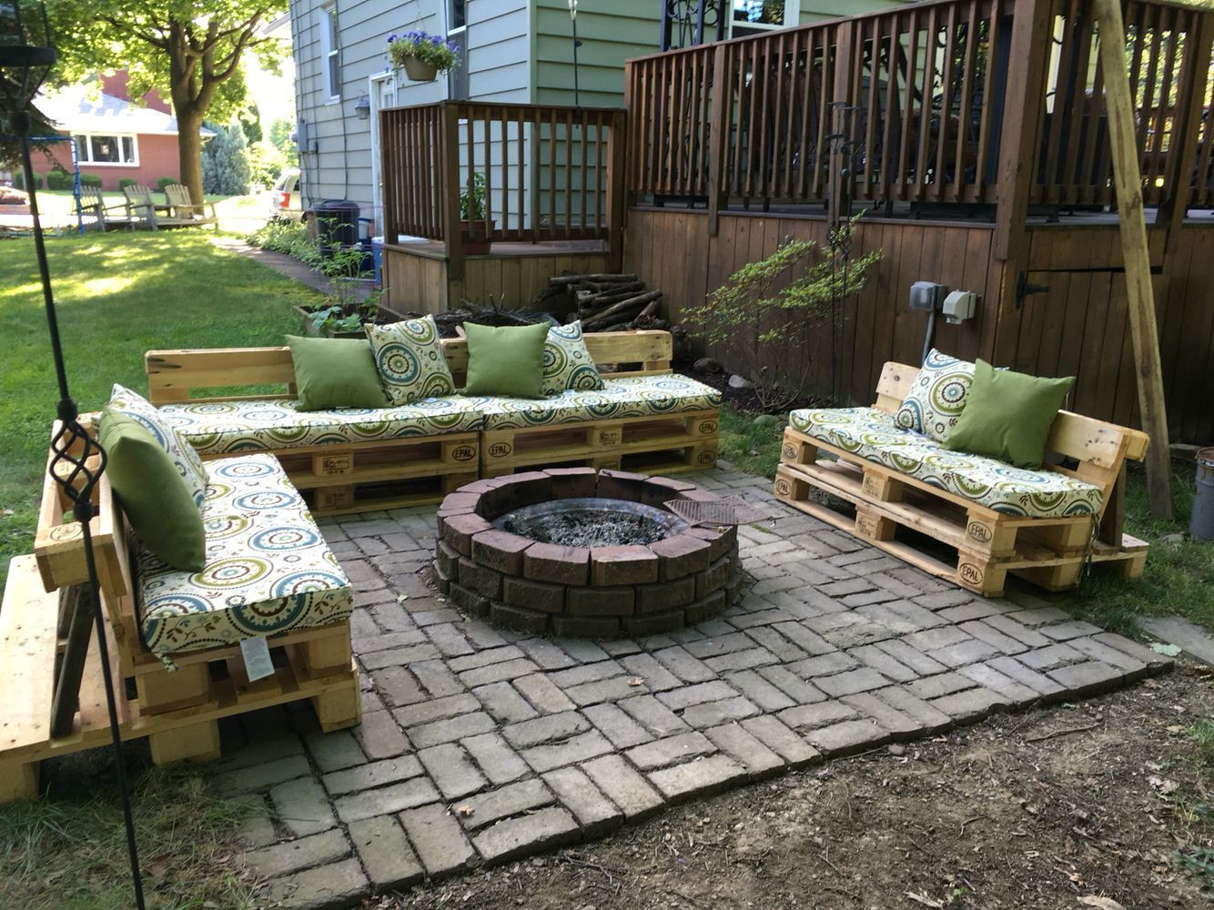 Fire Pit Furniture Made From Pallets With Images Outdoor Fire