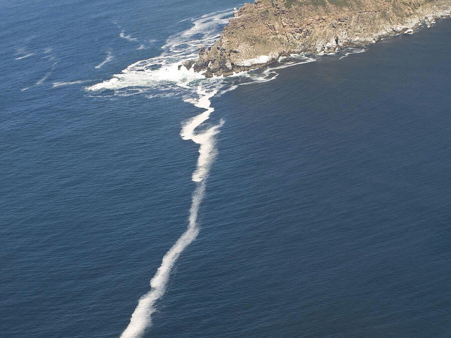 point where indian ocean and atlantic meet