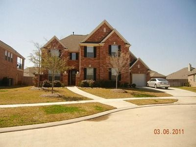 2404 W Ranch Dr, Friendswood, TX 77546