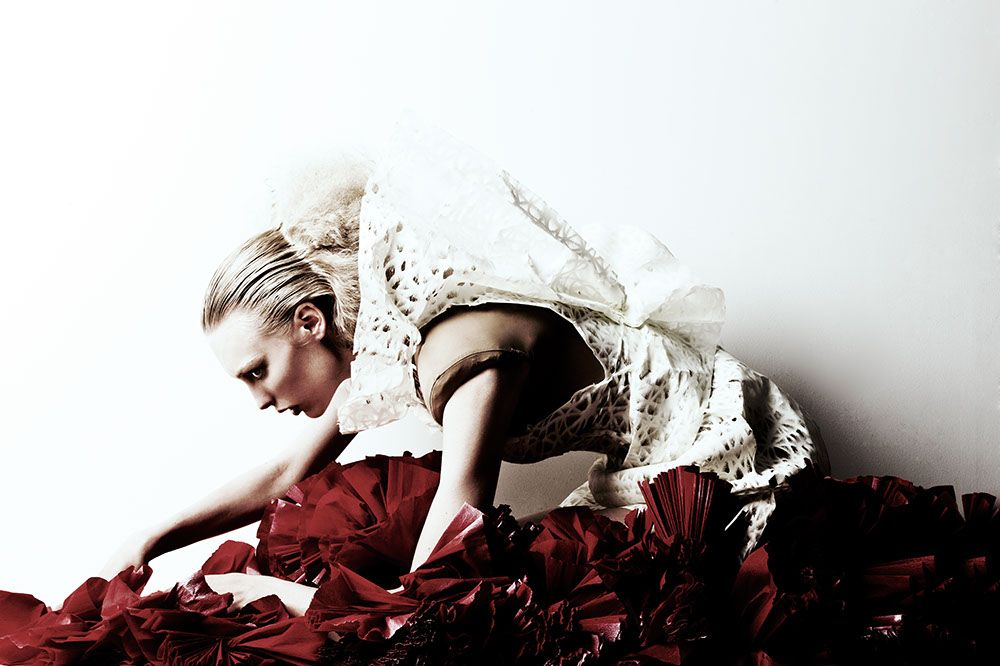 http://intothefashionworkshop.com/4899/dark-romance/