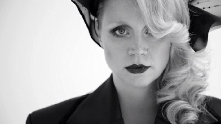 Gwendoline with long hair