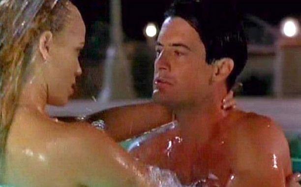showgirls-pool-sex-scene