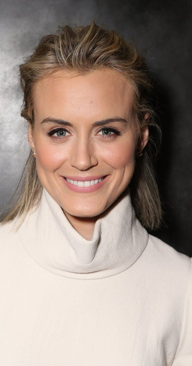 Taylor Schilling in 2019 | Taylor schilling hair, Taylor ...Taylor Schilling Girlfriend 2019