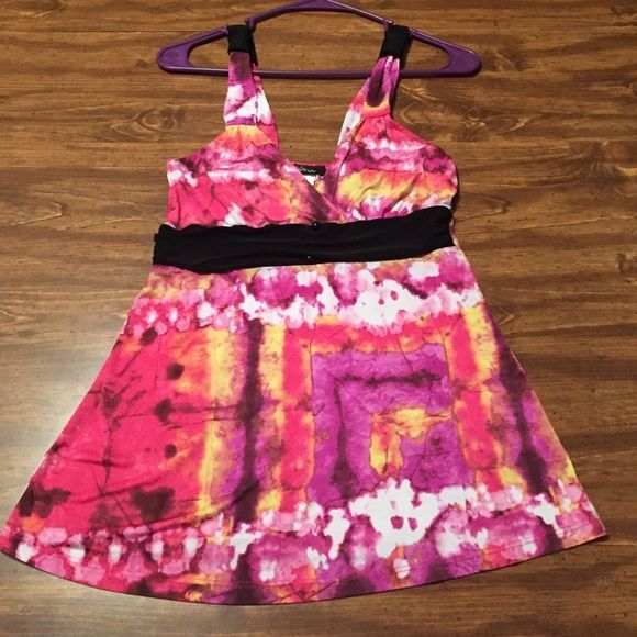 Beautiful Tank Top Okay condition. Worn a bunch. One black button missing in the middle.    All offers are welcomed and considered!!  Julie by Uno Tops Tank Tops