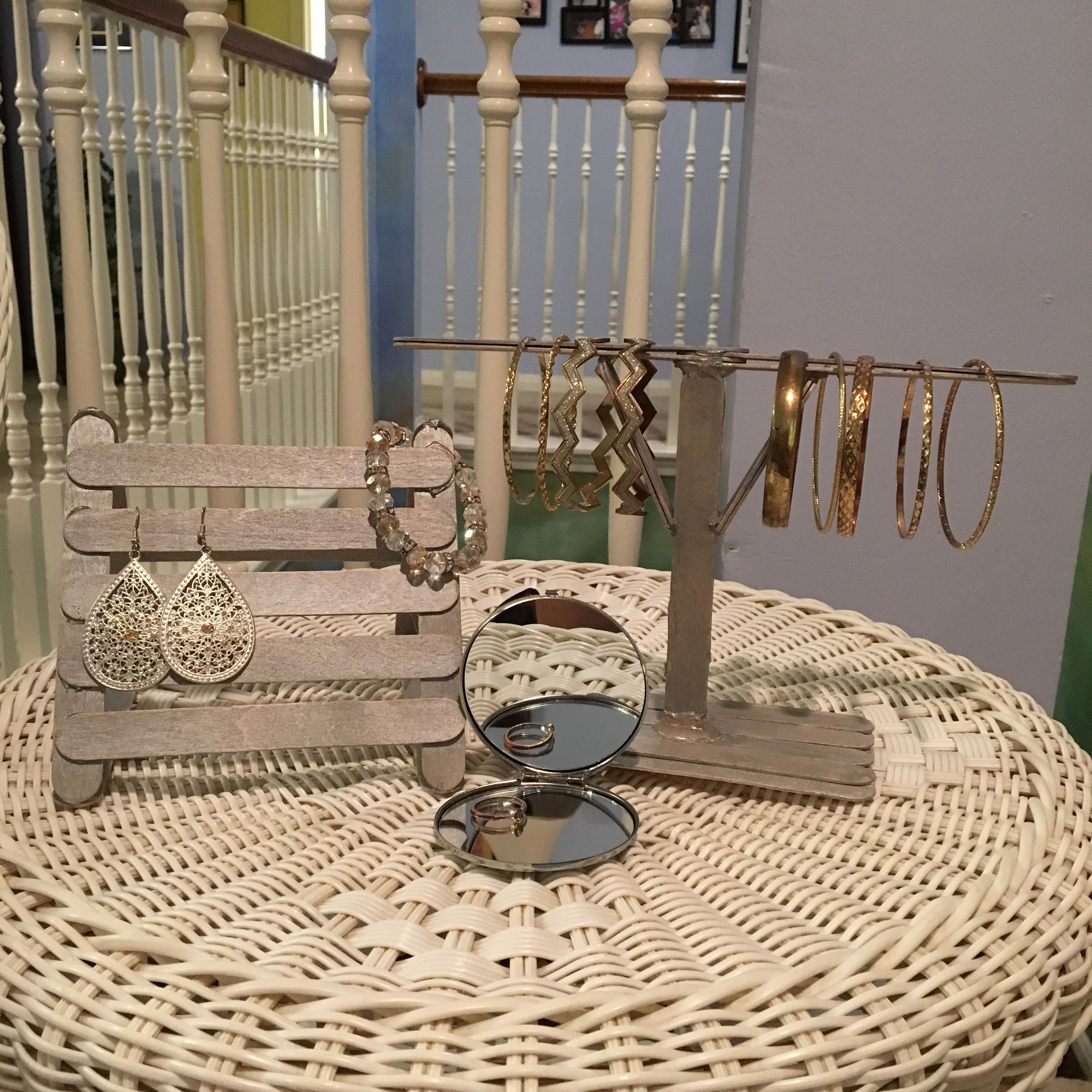 Jewelry Organizer Made From Popsicle Sticks Fun And Easy Diy Popsicle Sticks Jewelry Organization Diy Crafts