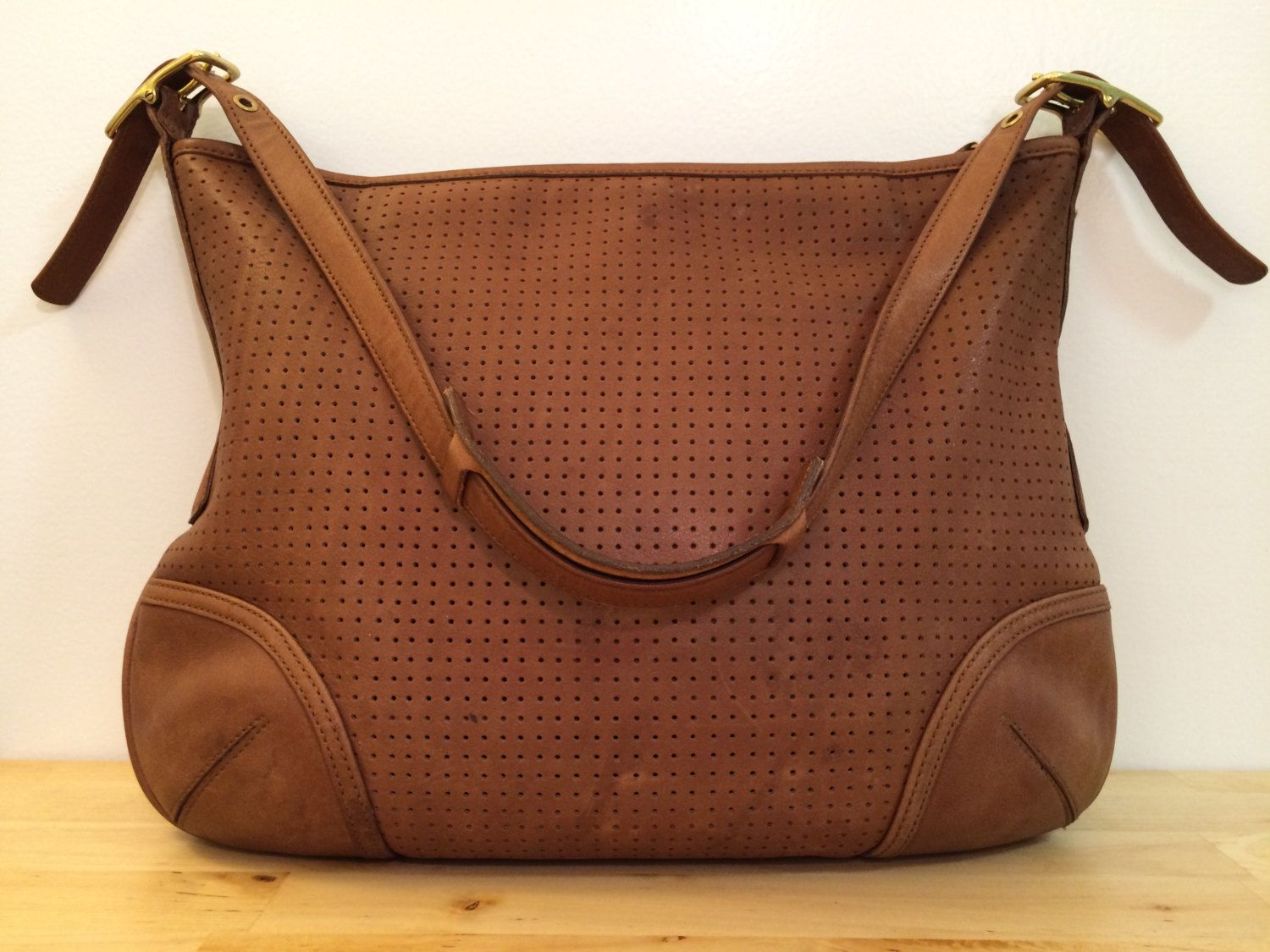 Coach Legacy 9218 Camel Brown Hobo Shoulder Bag by ChrysanthemumVintage on  Etsy. Find this Pin and more on Vintage handbags ... 31001dabb2af1