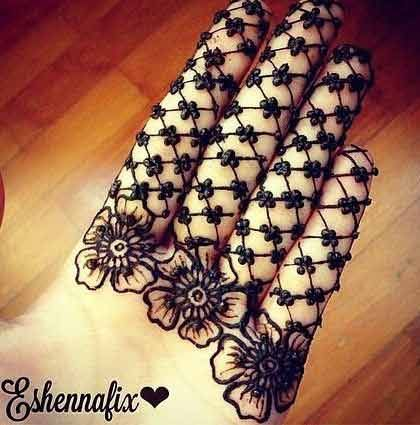 new style of square and flower mehndi designs easy and ...