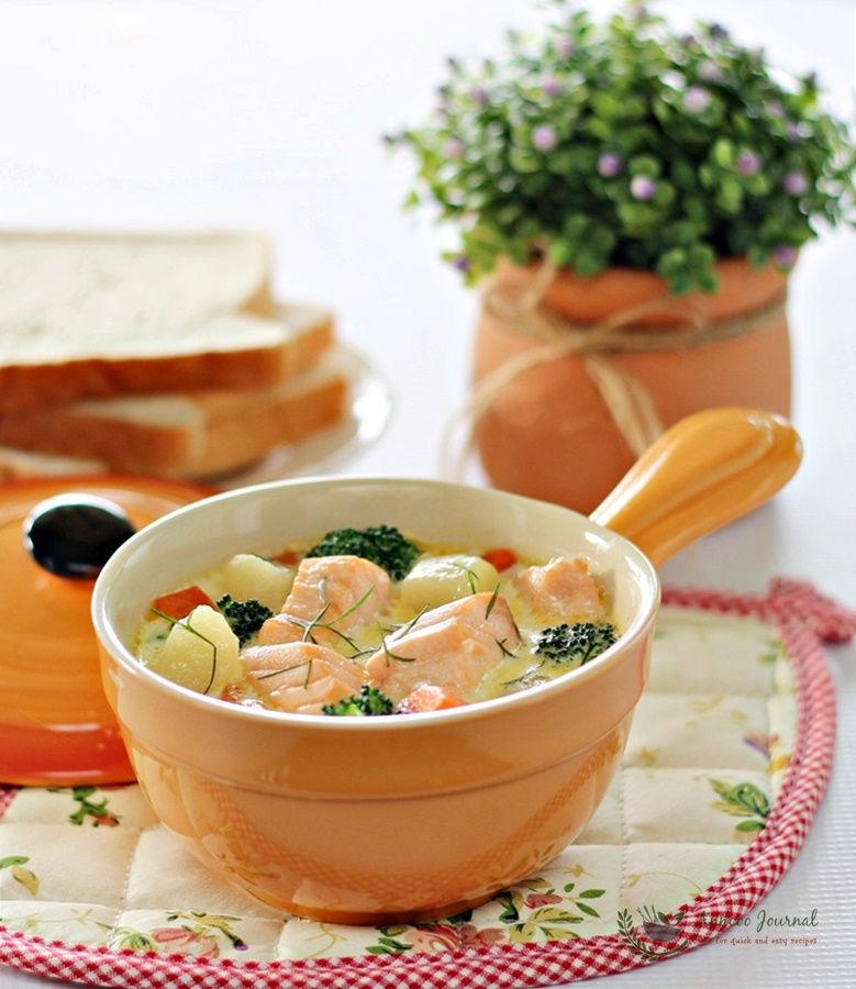 Fish Stew with Salmon and Vegetable soup which paired well with bread. Soak the salmon pieces in the hot soup for a good few minutes till it is done.
