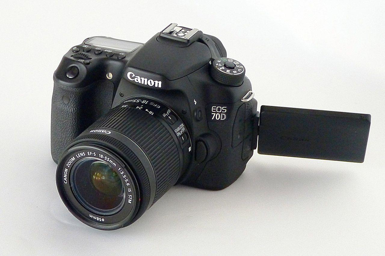 Desde el momento en el que adquieres tu primera cámara fotográfica y empiezas a adentrarte con ella en el apasionante mundo de la fotografía, estableces una relación de cuidado y cariño hacia tu equipo fotográfico. La fotografía es un hobby caro (¿pa