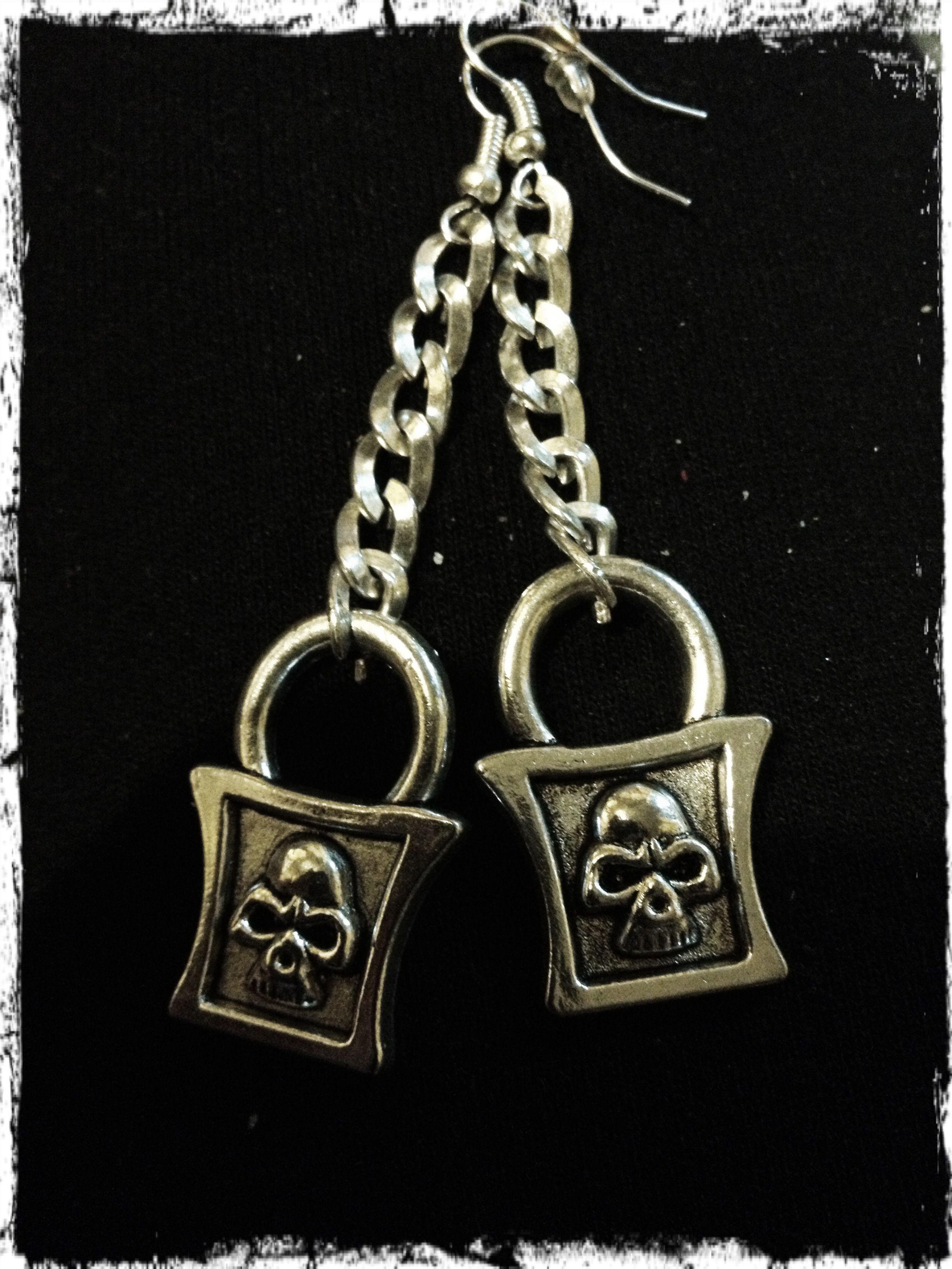 Amo mis nuevos aretes creación de Yoshi Reyes // I loooooove my new earrings creations of Yoshi Reyes