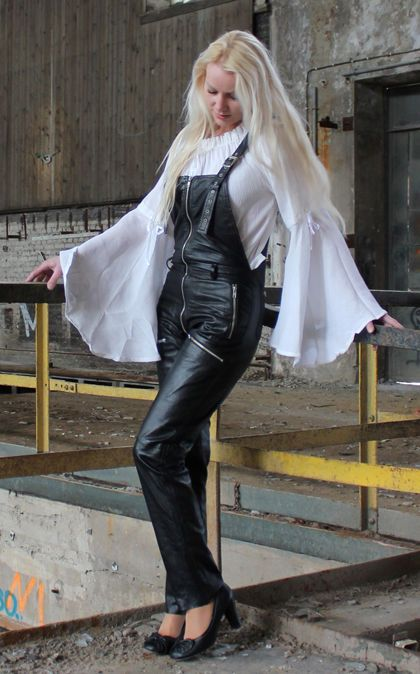 leder latzhose lederhose hose 140 schwarz m 40 mit zipp in kleidung accessoires damenmode. Black Bedroom Furniture Sets. Home Design Ideas