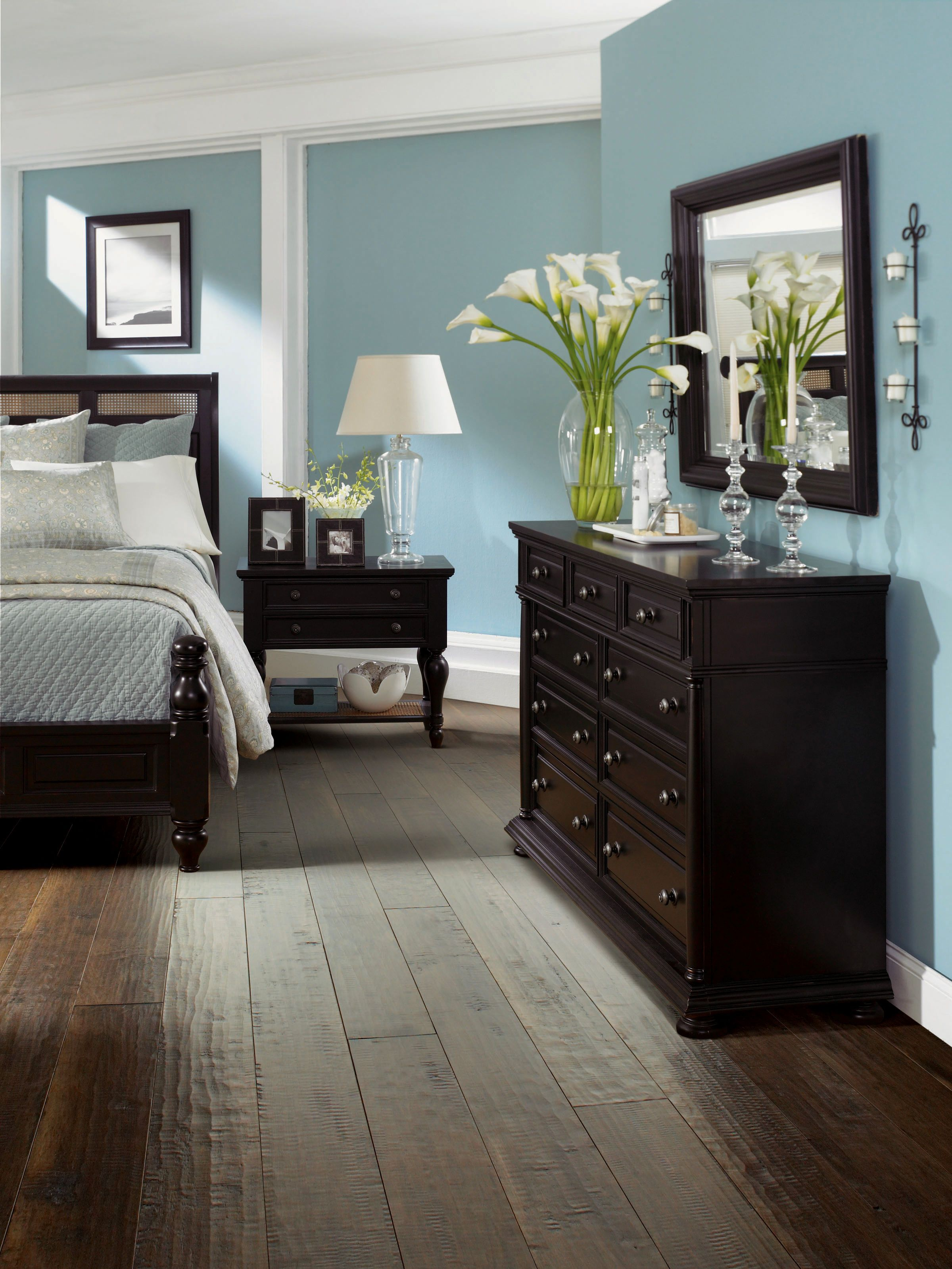 Bedroom Dark Hardwood Floors Bedroom 67 Wood Floors In Bedrooms Dsx Designx Blue Master Bedroom Luxury Bedroom Master Small Master Bedroom Decorating Ideas