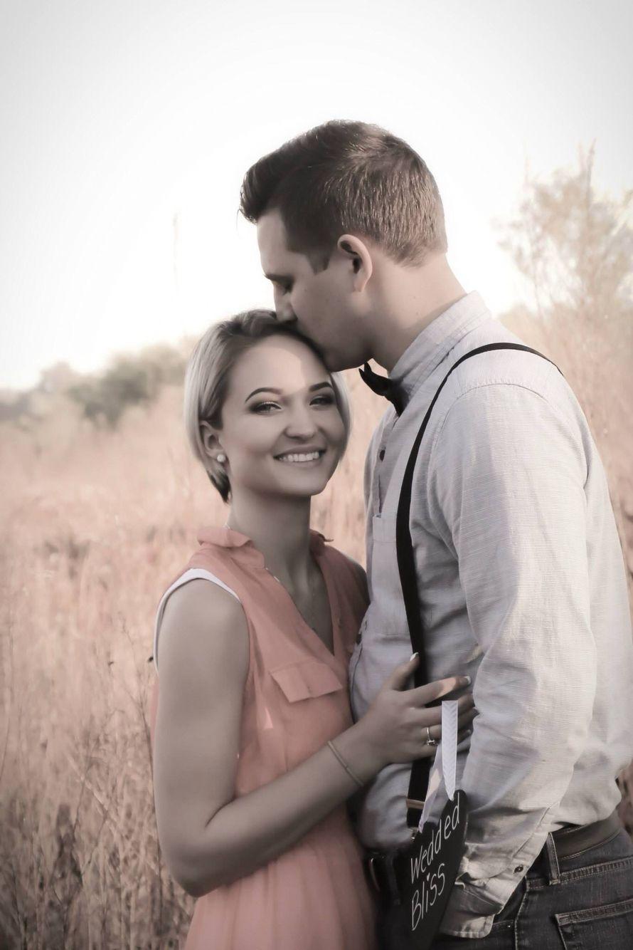 One year! #cutecouples #couplephotos #anniversaryphotos
