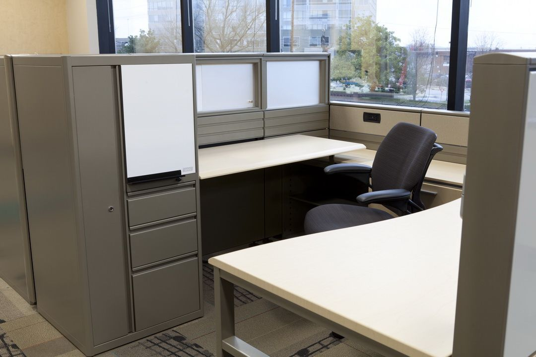 Maximize Workstation Storage With Inscape System. Project: Inscape System  Installed At BMI Headquarters In