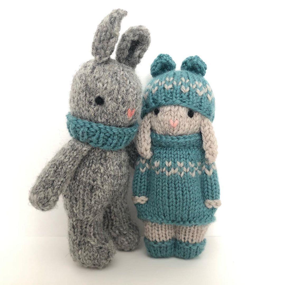 Comment tricoter une mini poupée en laine ?