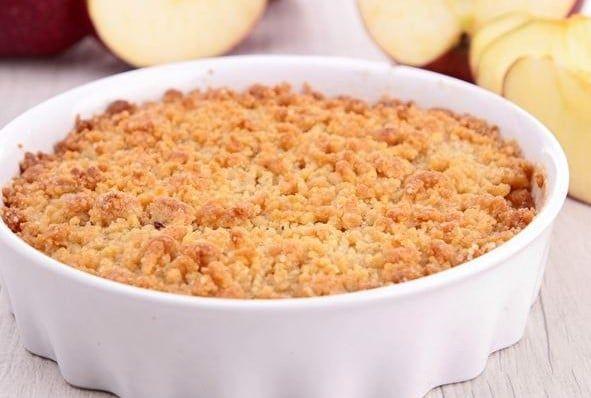 La vraie recette du crumble aux pommes : un grand classique fruité dont on ne se lasse pas