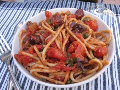 Weight Watchers Friendly Gluten Free Pasta Puttanesca | Simple Nourished Living