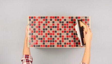 die besten 25 mosaiktisch selber machen ideen auf pinterest mosaiktische mosaikspiegel und. Black Bedroom Furniture Sets. Home Design Ideas