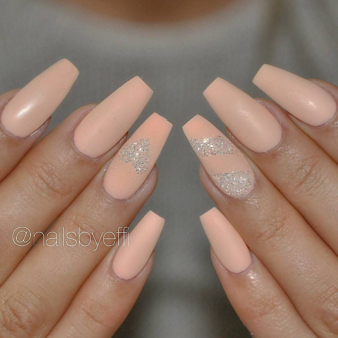 Pin von Coco Lancier auf Nails | Pinterest | Nageldesign und Nagelschere