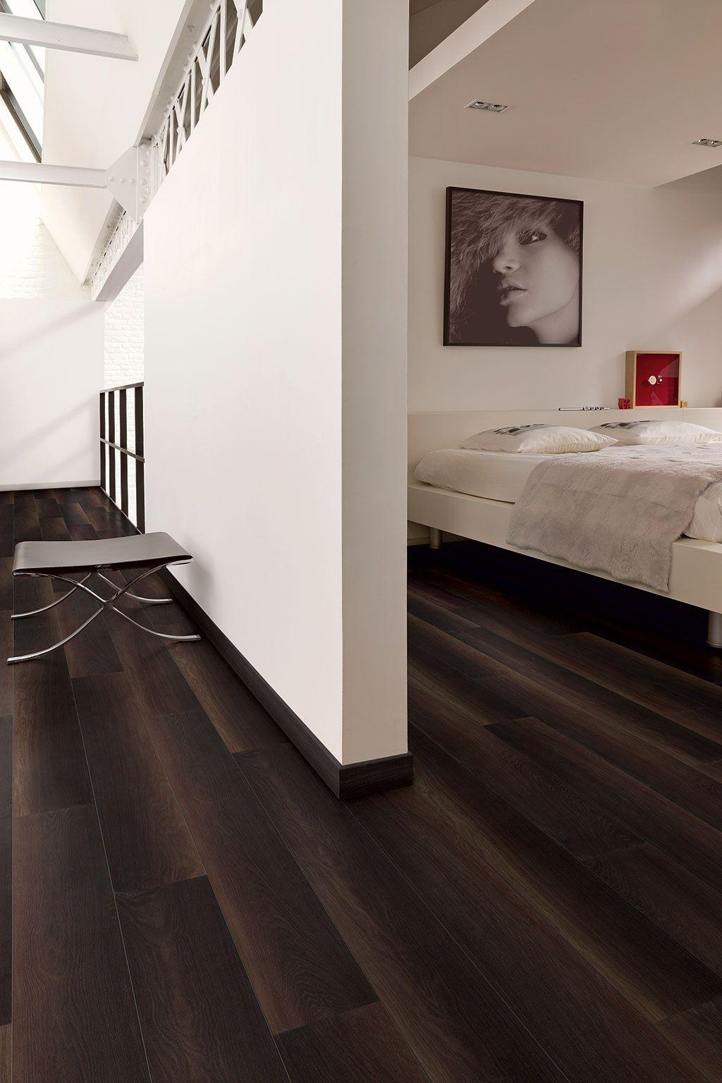 QuickStep Laminate Flooring Perspective Wide 'Fumed oak