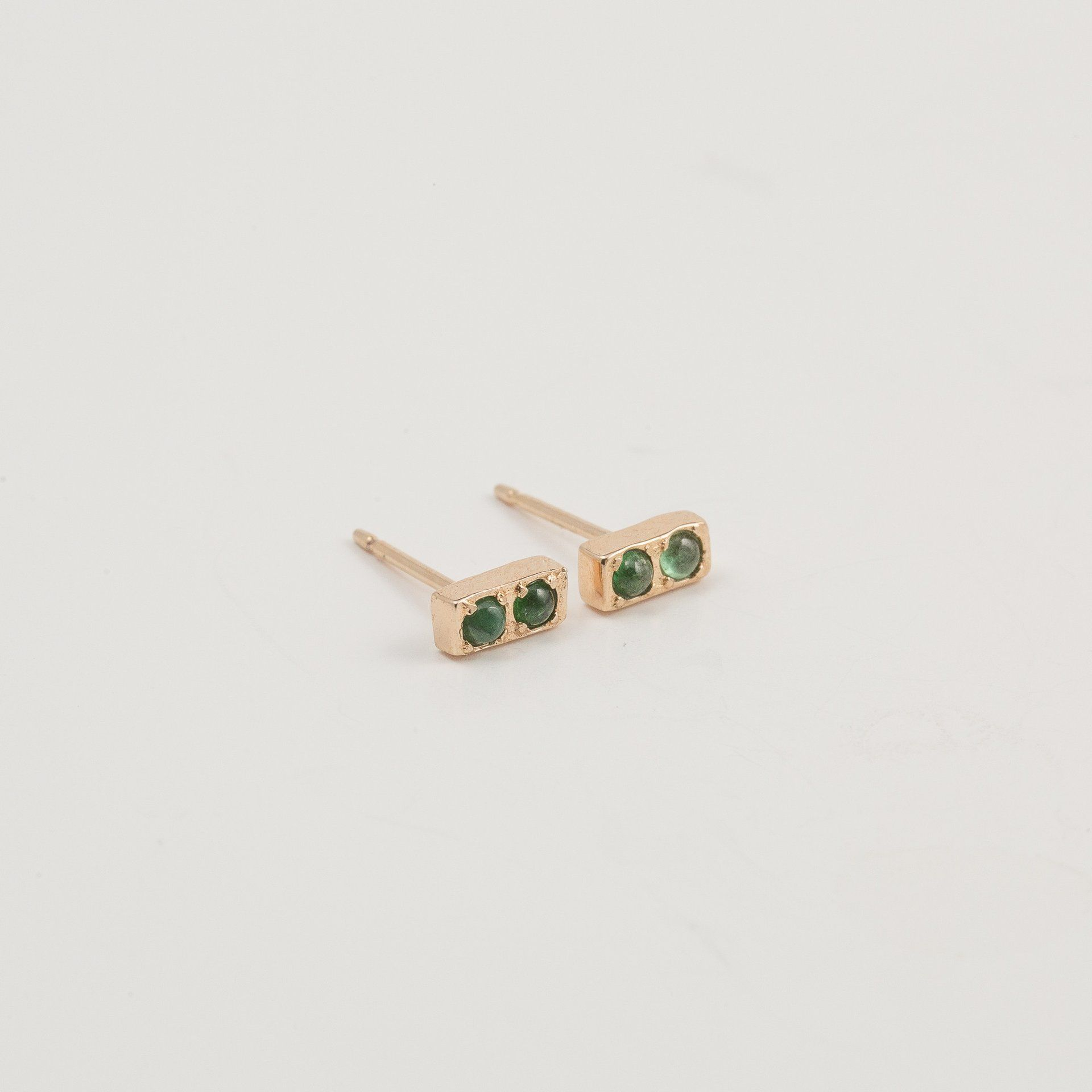 pearl stud earring yg earrings natural shop emerald