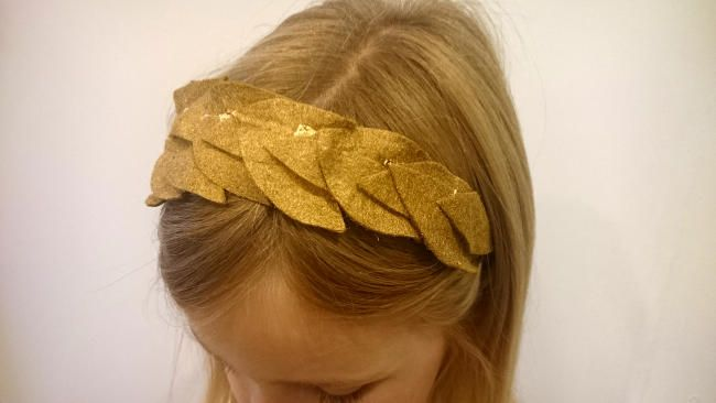 make your own roman wreath headdress to finish off a roman costume