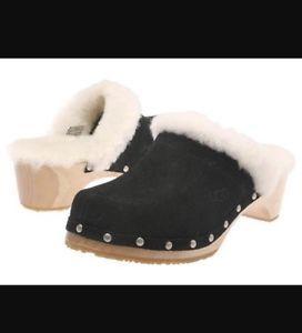 UGG Australia Kalie Black Suede Leather Shearling Studded Clogs Shoes Sz 10 EUC