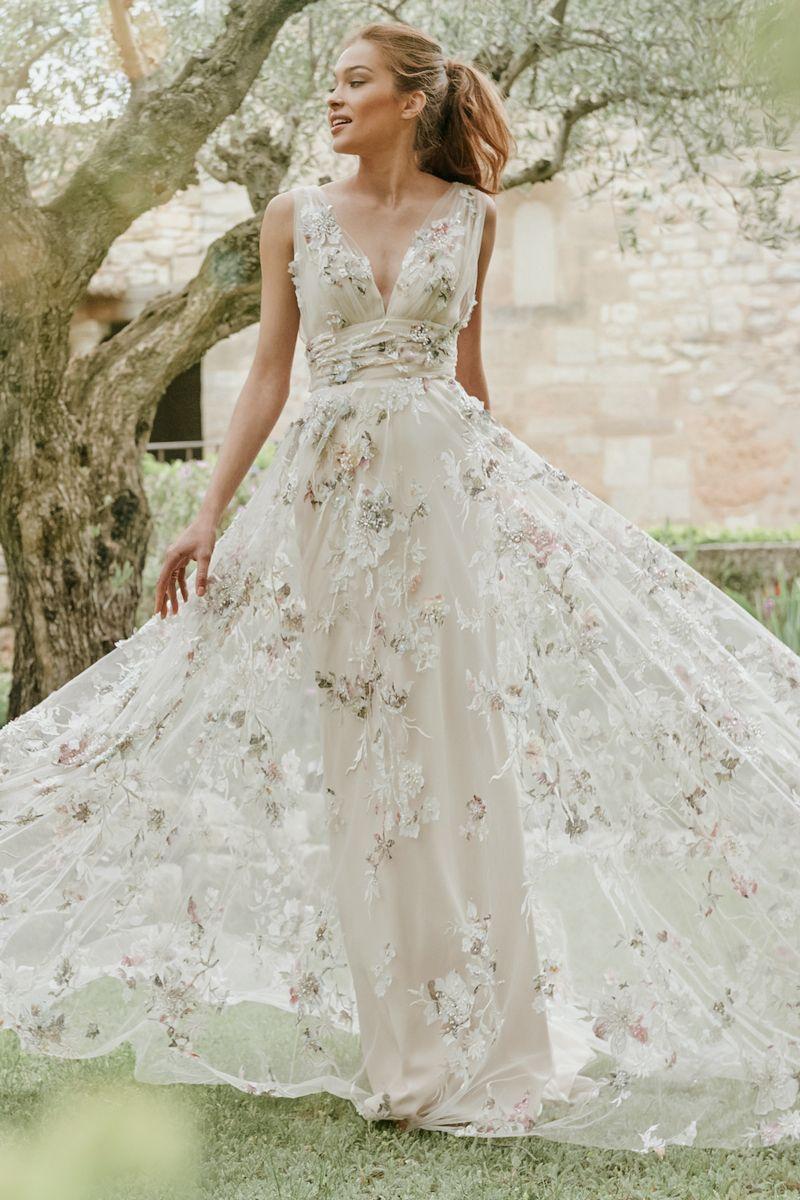 20 vestidos de novia florales extraordinarios que las novias milenarias adorarán  – Boda