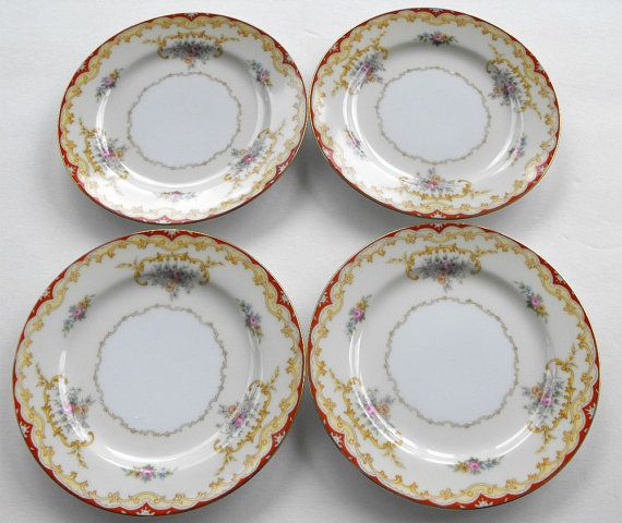 1930s Vintage Set of 4 Bread and Butter or Dessert Plates by