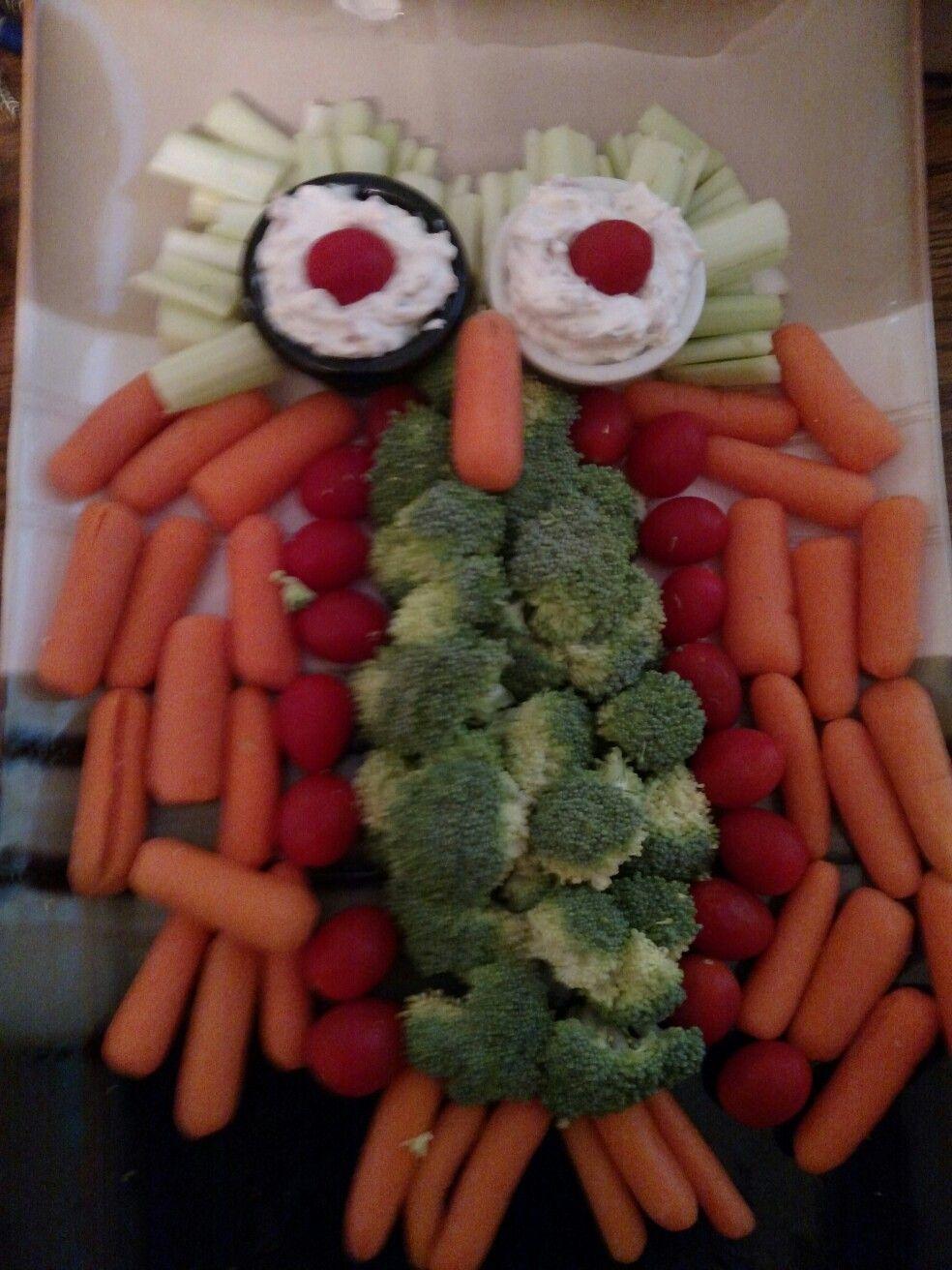 "My owl veggie tray with ""crack"" dip"
