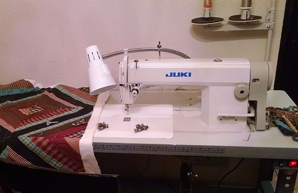 Lots Of Good Info Free Motion Quilting Using An Industrial Machine Free Motion Quilting Industrial Sewing Machine Vintage Sewing Machines