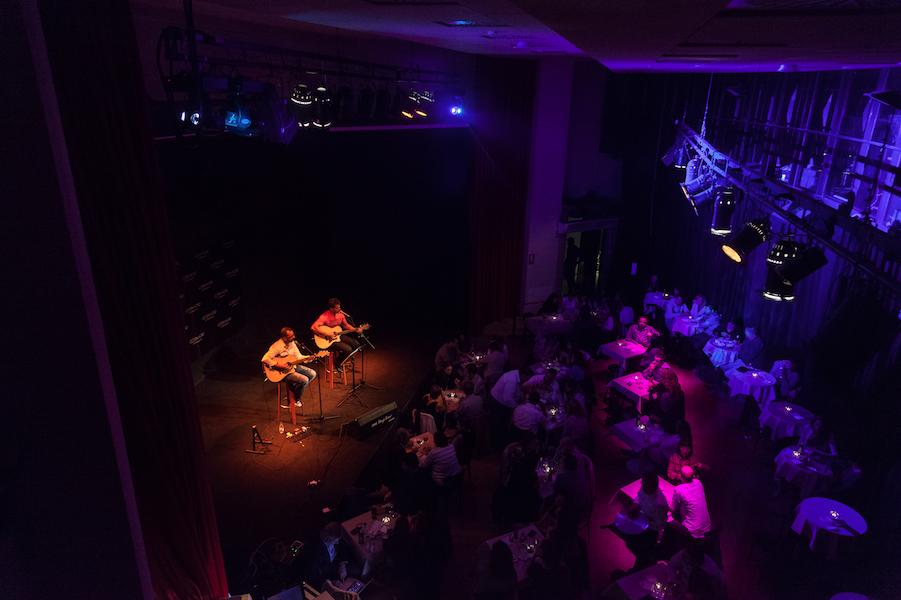 Sala Costa Nord y #AcústicosMarDelEste #ComedyCostaNord     (Foto de Tomeu Canyellas de Sol Works )