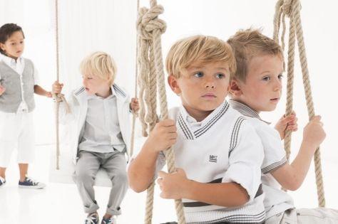 Frisuren Für Kleine Jungen Mit Seitenscheitel Lange Haare Lässig Ins