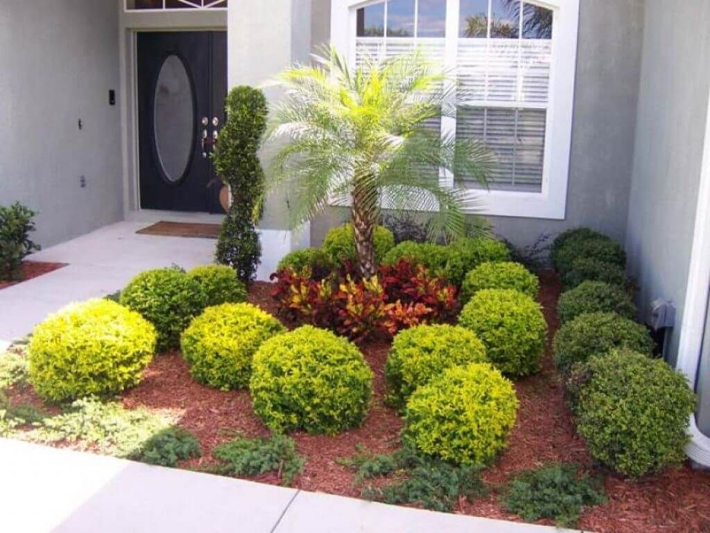 50 brilliant front garden and landscaping projects you 39 ll for Front lawn plant ideas