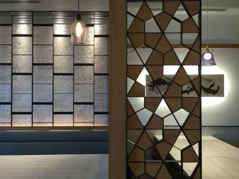 Stunning Privacy Screen Design For Your Home 52 Hoommy Com Room Partition Designs Screen Design Partition Design