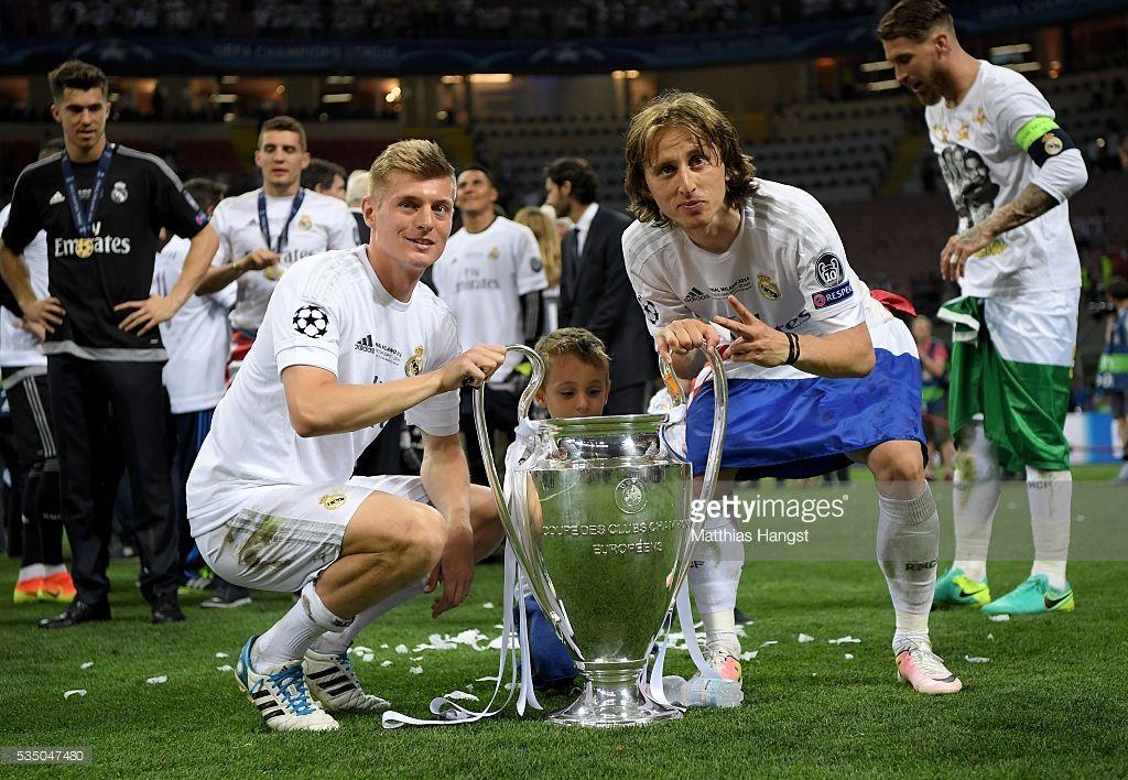 Real Madrid V Club Atletico De Madrid Uefa Champions League Final Photos And Premium High Res Pictures Club Atletico De Madrid Real Madrid Atletico De Madrid