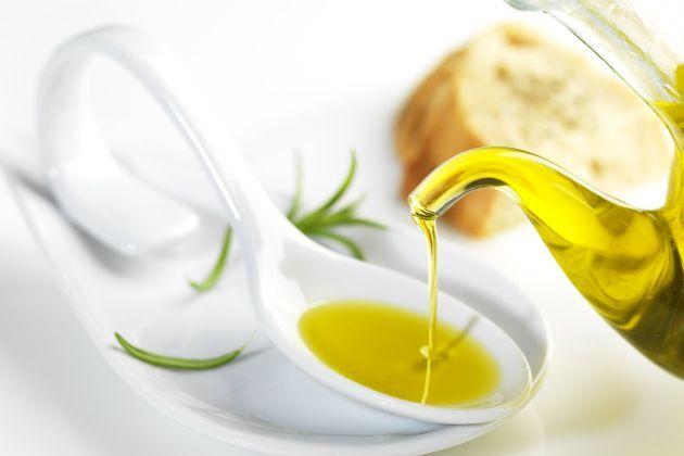 Tres-usos-caseros-del-aceite-de-oliva-1.jpg