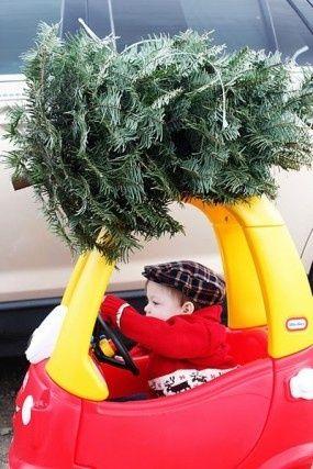 #Christmas this kid is too cute! #lol