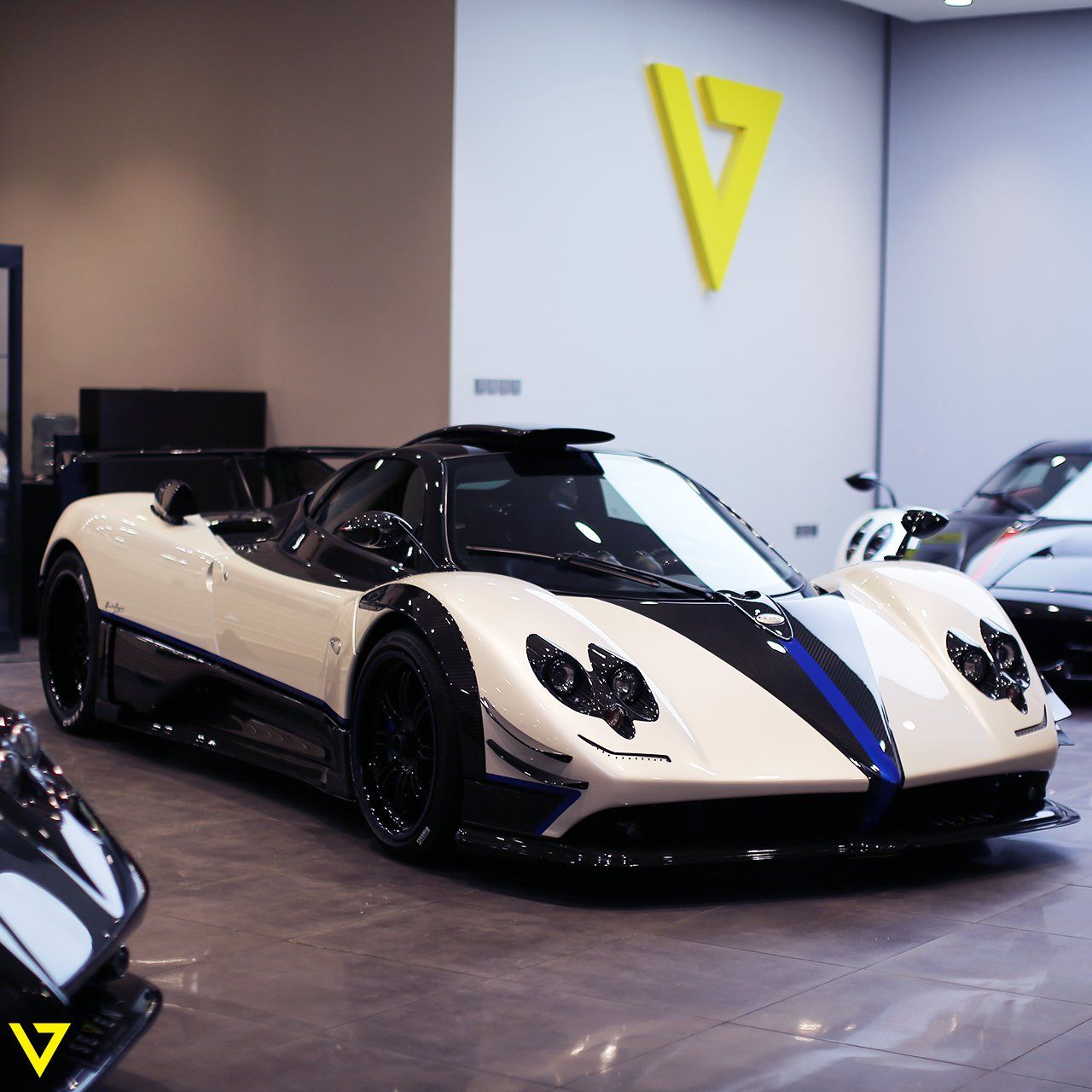 Now available: Car Pagani Zonda Coupe 2017 Riyadh Saudi Arabia for