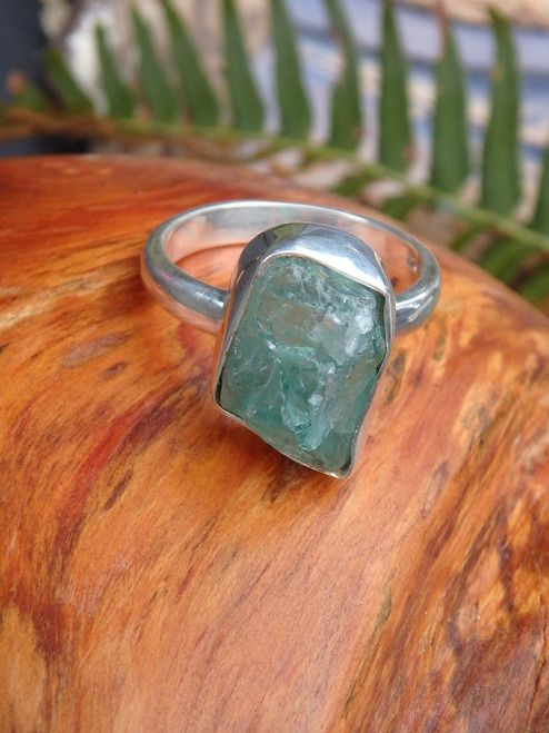 ~GEMMY RAW BLUE APATITE RING IN STERLING SILVER (SIZE 7.5)~  NEWLY LISTED HERE====>