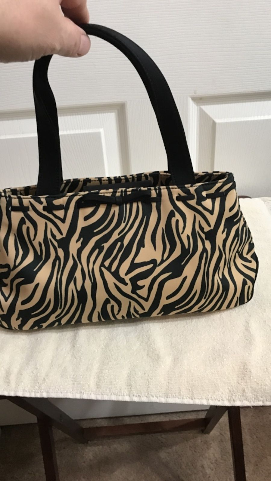 9365916fc beige and black zebra print handbag in Basehor - letgo | Fashion ...