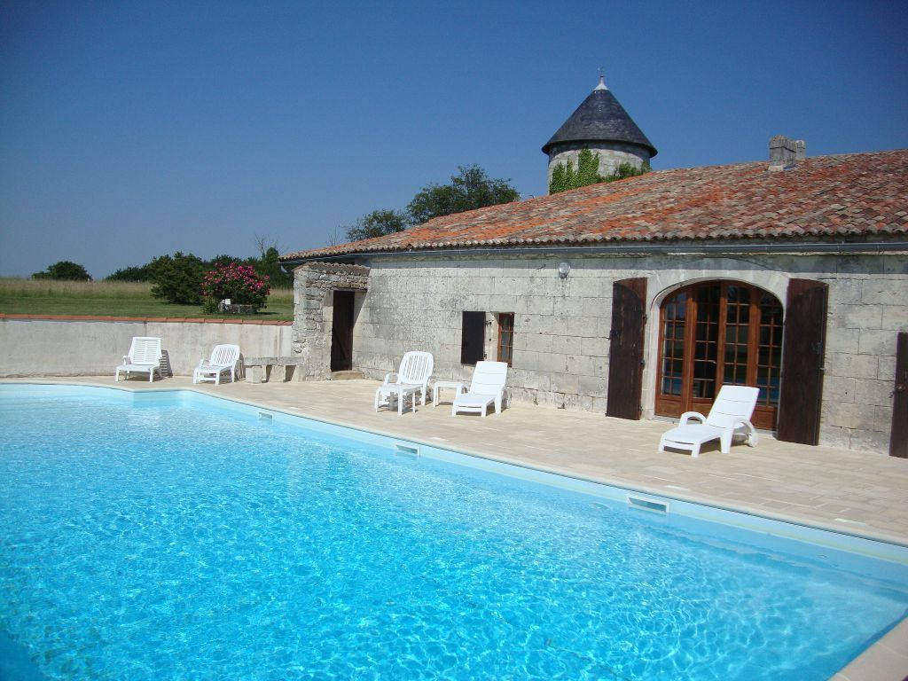 A large farmhouse with a big 12x6m heated swimming pool