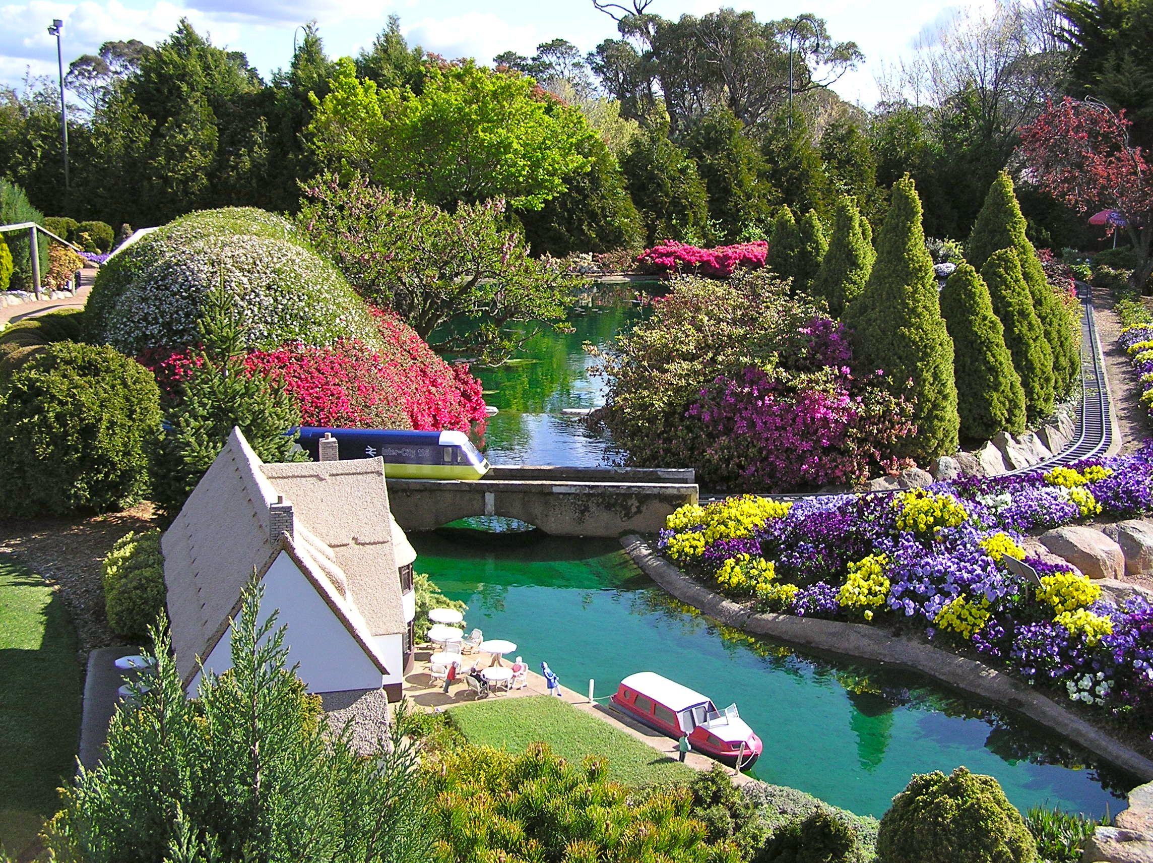 cockington green garden