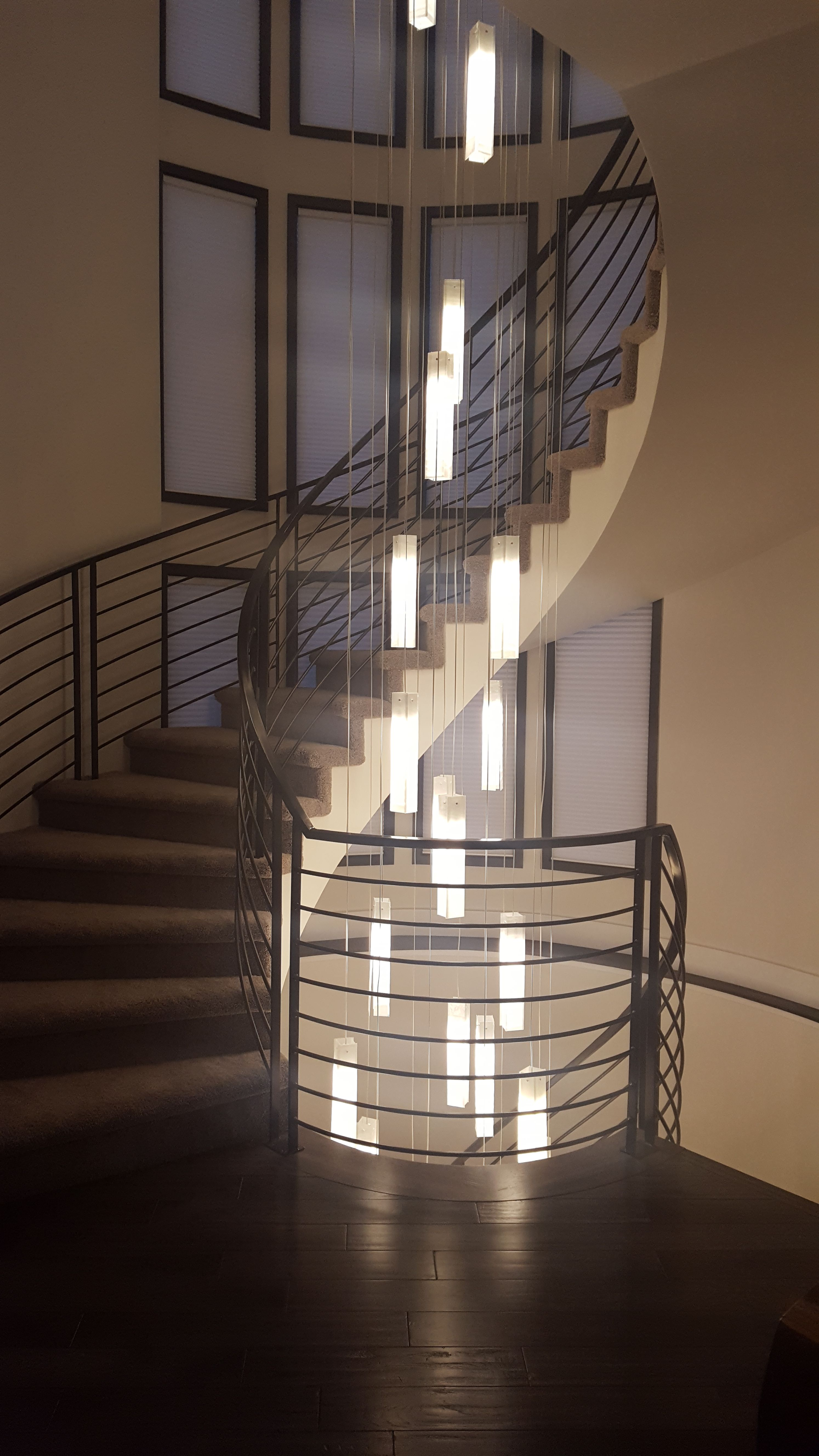 Multi Pendant Chandelier In Three Story Staircase Contemporary Foyer Chandelier Modern Chandelier Foyer Staircase Chandelier Foyer Decorating
