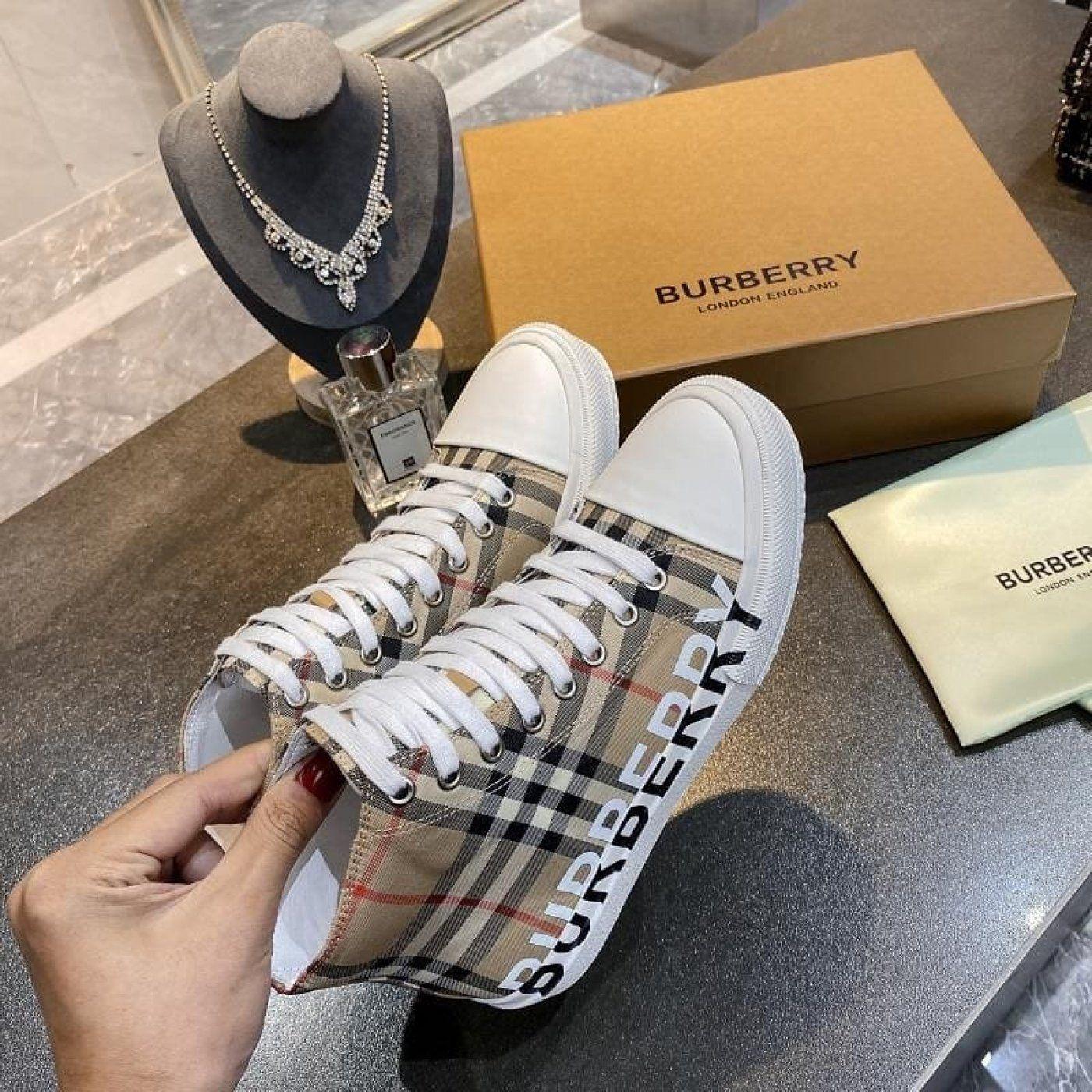 converse burberry