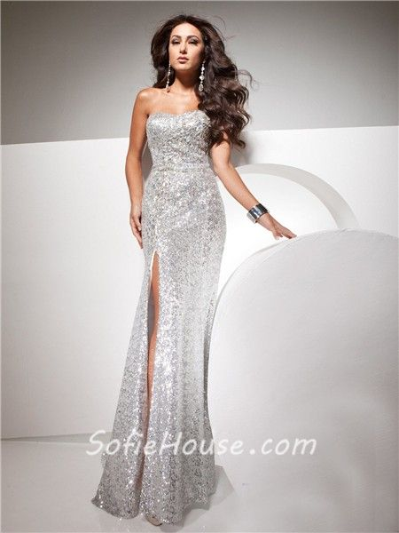 This is one of the most beautiful and lovely prom dress which you ...