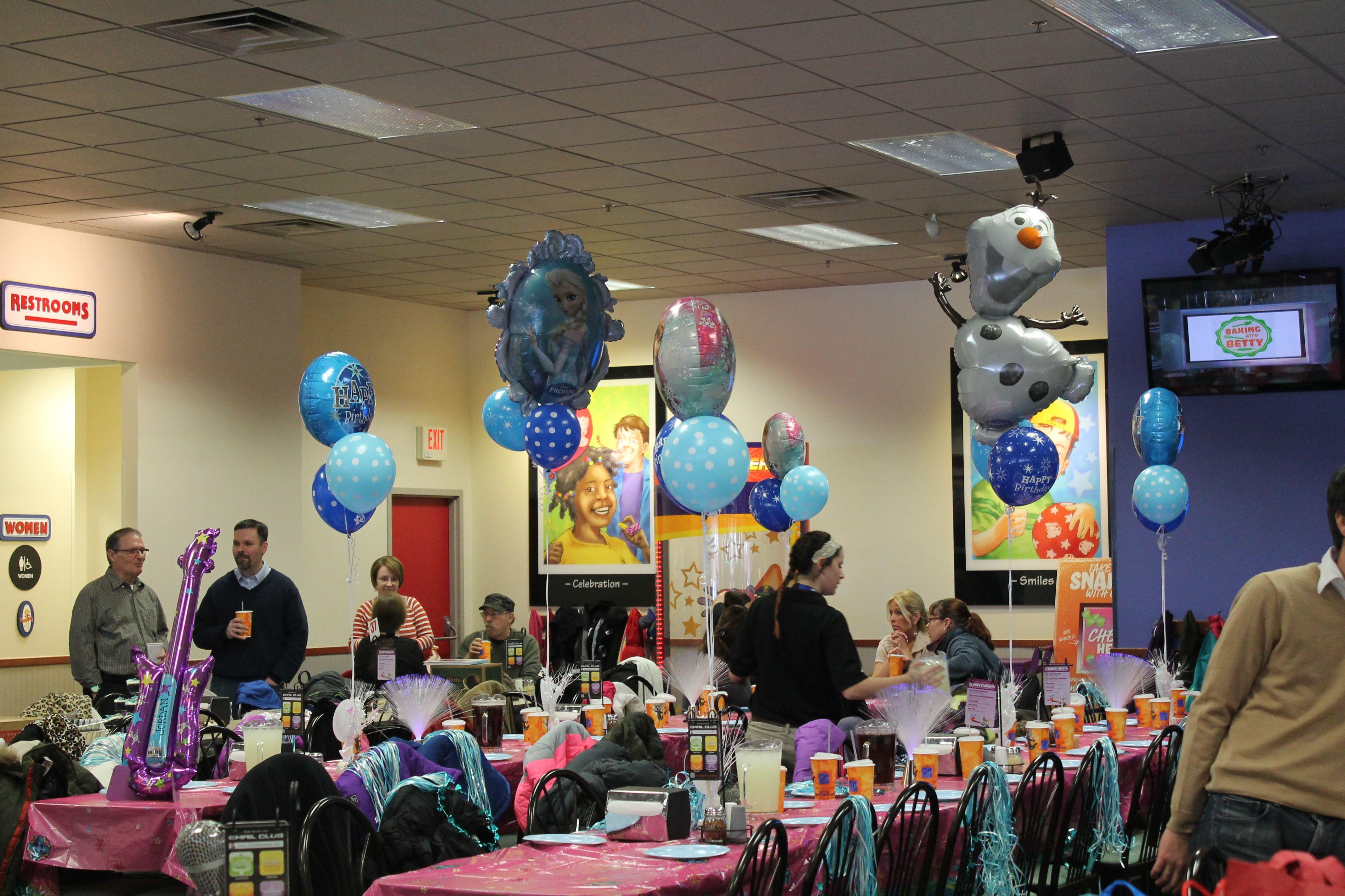 Frozen Party At Chuck E Cheese Chucky Cheese Birthday Party Chuck E Cheese Frozen Party