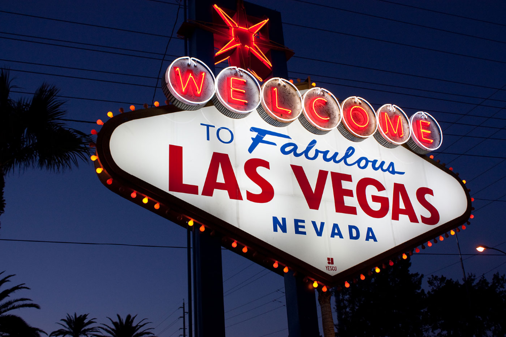 Welcome To Fabulous Las Vegas Sign Designed By Betty Willis 1959 In 2020 Las Vegas Sign Las Vegas Shows Visit Las Vegas