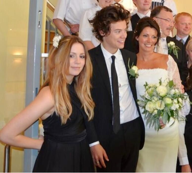 harry styles at his moms wedding one direction